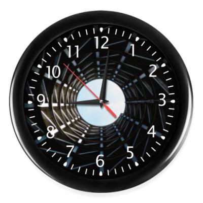 Настенные часы Только вверх