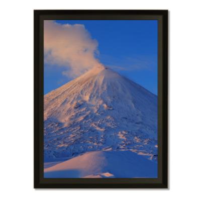Плакетка Пейзаж Камчатка: зима, горы и извержение вулкана