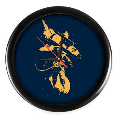 Настенные часы Космонавт и Шаттл