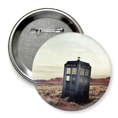 Значок 75мм TARDIS In The Desert