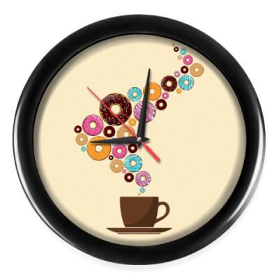Настенные часы Кофе с пончиками