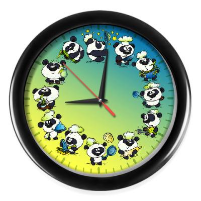 Настенные часы Панды на кухне