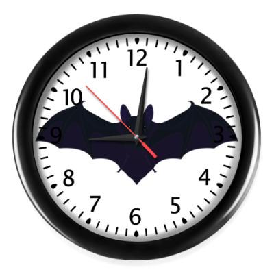 Настенные часы 'летучая мышь'