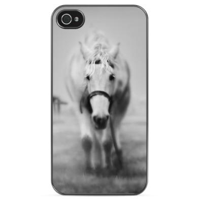 Чехол для iPhone Лошадь в тумане