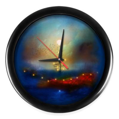 Настенные часы Новогодний пейзаж с елкой