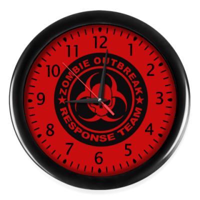 Настенные часы Zombie outbreak response team