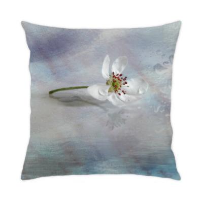 Подушка Цветок грушевого дерева
