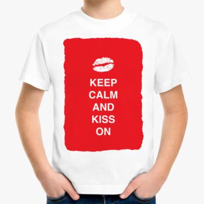 Детская футболка Keep calm and kiss on