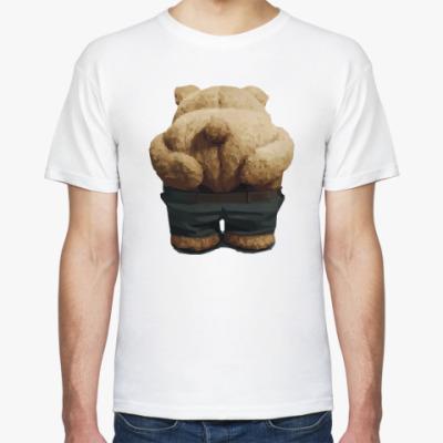 Футболка Тед показывает зад