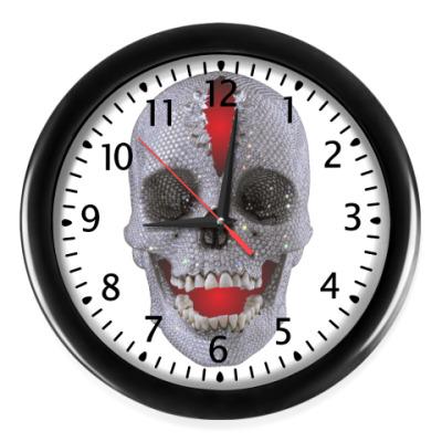 Настенные часы A Smile of Death