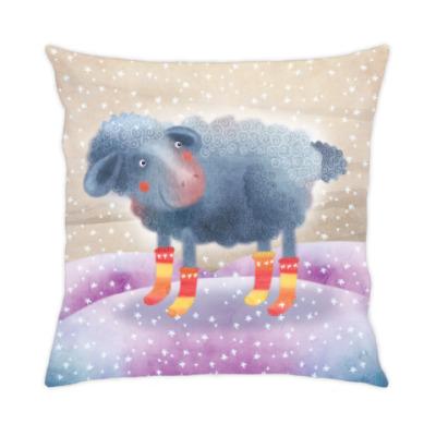 милая овечка в носках