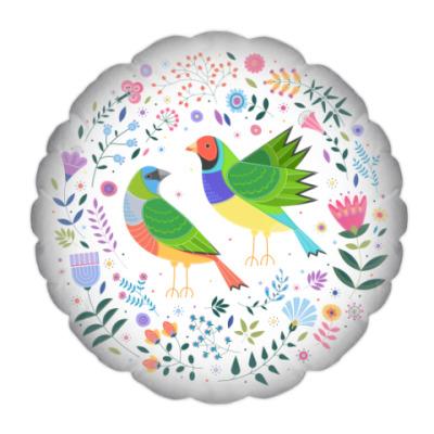 Разноцветные птички среди цветов