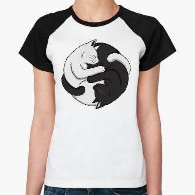 Женская футболка реглан Черный и белый кот инь-ян
