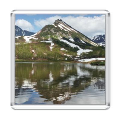 Магнит Полуостров Камчатка, горы, горное озеро, отражение