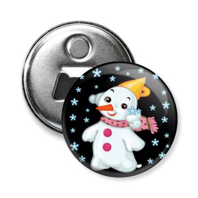 Магнит-открывашка Снеговик и снежинки