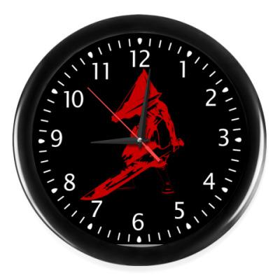 Настенные часы Silent Hill Pyramid Head