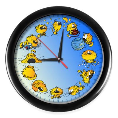 Настенные часы Обычный день Кота
