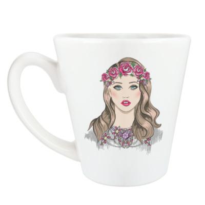 Чашка Латте Портрет молодой девушки