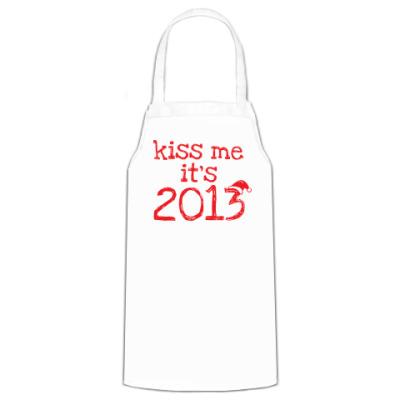 Фартук Надпись Kiss me - it's 2013!