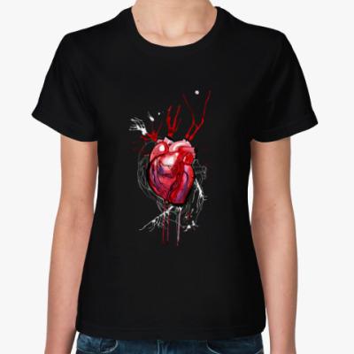 Женская футболка Обнаженное сердце