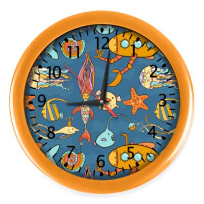 Настенные часы Желтая подводная лодка