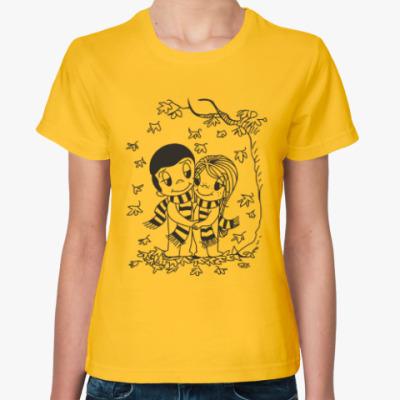 Женская футболка Love is