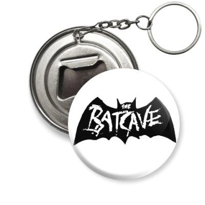 Брелок-открывашка Batcave