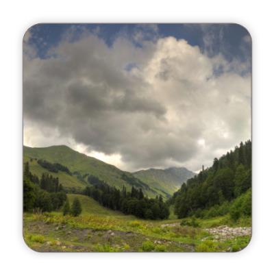 Костер (подставка под кружку) Луга, горы, Абхазия