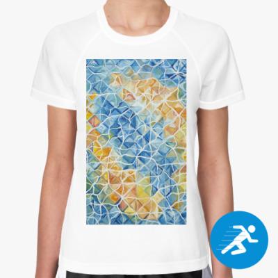 Женская спортивная футболка Рыбы сквозь блики