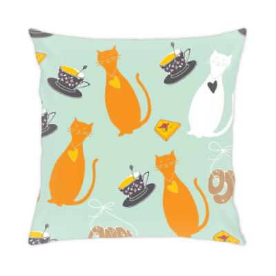 Подушка Кошки и чашки чая