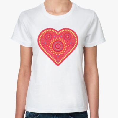 Классическая футболка сердце с узором из кругов