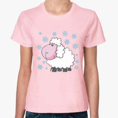 Женская футболка Зимняя овечка