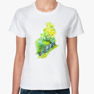 Классическая футболка Деревья и забор