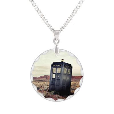 Кулон TARDIS In The Desert