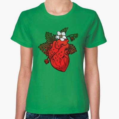 Женская футболка Клубничное сердце