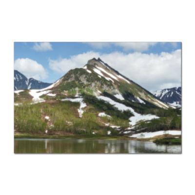 Наклейка (стикер) Полуостров Камчатка, горы, горное озеро, отражение