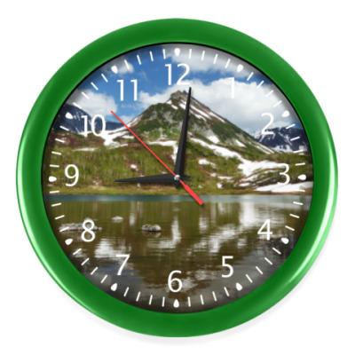 Настенные часы Полуостров Камчатка, горы, горное озеро, отражение