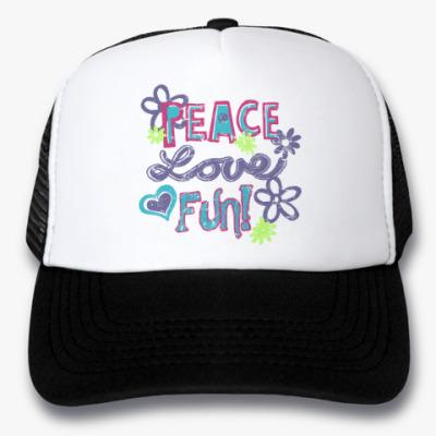 Кепка-тракер Мир, Любовь, Веселье!