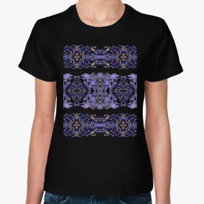 Женская футболка классический орнамент