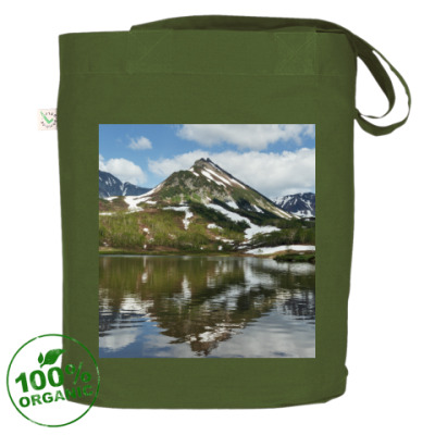 Полуостров Камчатка, горы, горное озеро, отражение