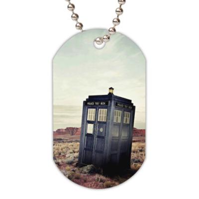 Жетон dog-tag TARDIS In The Desert