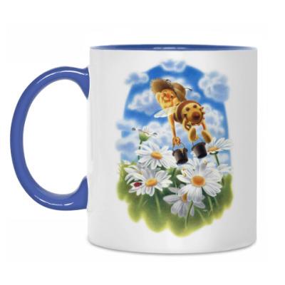 Кружка Пчёлка над ромашками