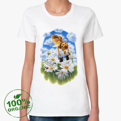 Женская футболка из органик-хлопка Пчёлка над ромашками