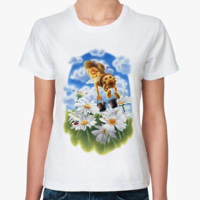 Классическая футболка Пчёлка над ромашками