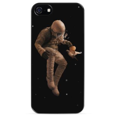 Чехол для iPhone Космонавт с голубем