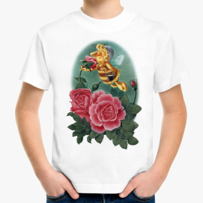 Детская футболка Пчёлка нюхает розу