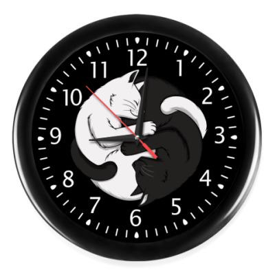 Настенные часы Черный и белый кот инь-ян