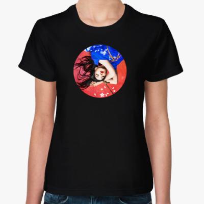 Женская футболка Связанная девушка