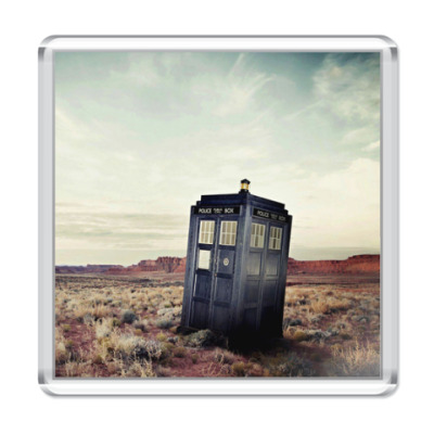Магнит TARDIS In The Desert