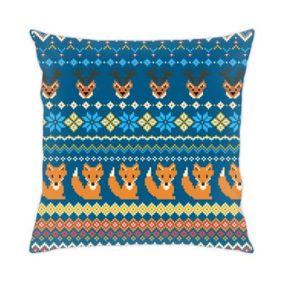 Подушка Вязаный зимний узор: олени и лисы